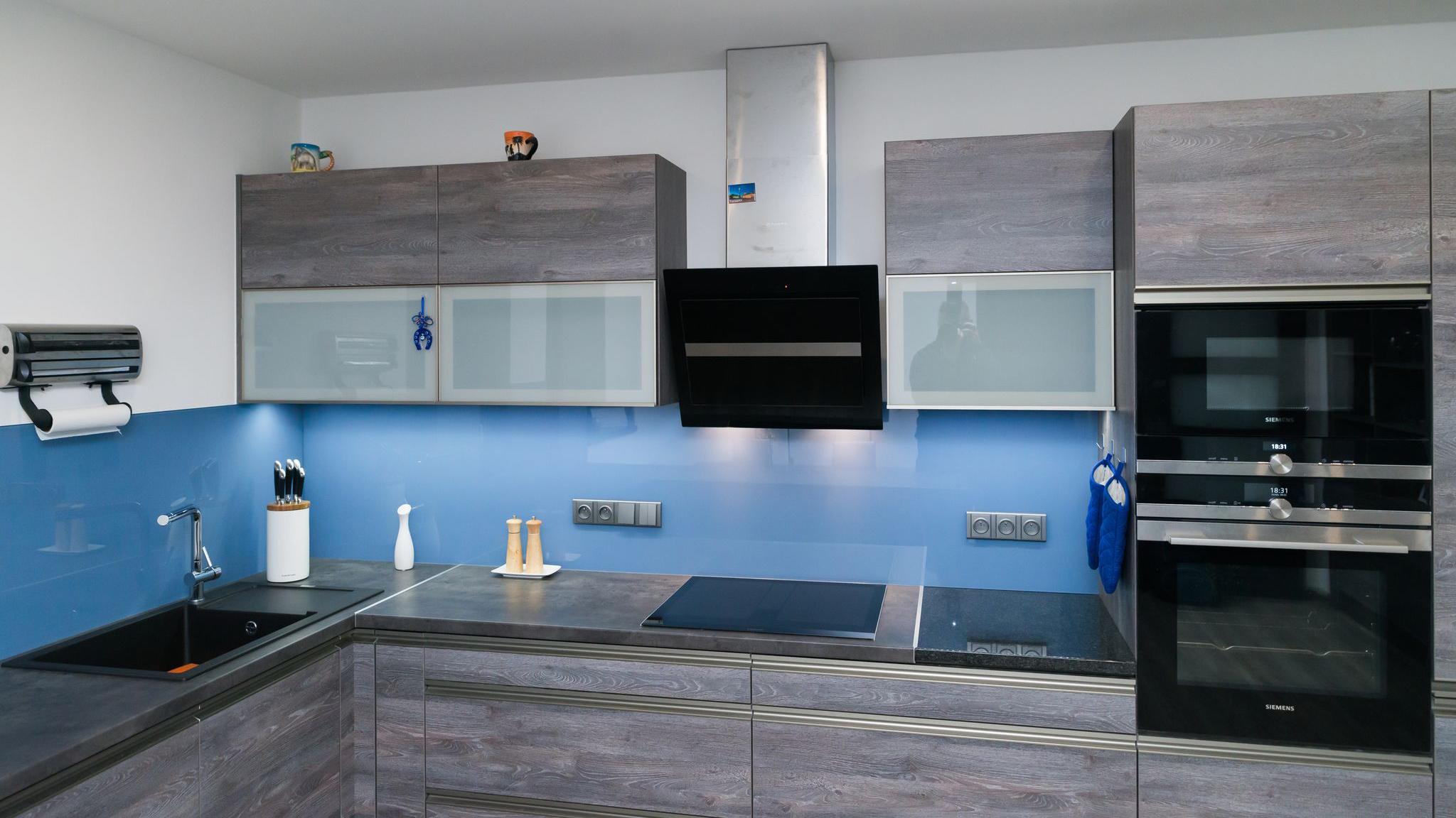 Dub šedý – modrý Lacobel