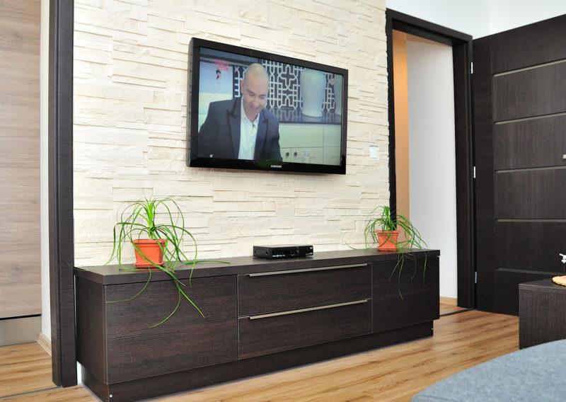 Obývací pokoj – Tmavý dřevodekor
