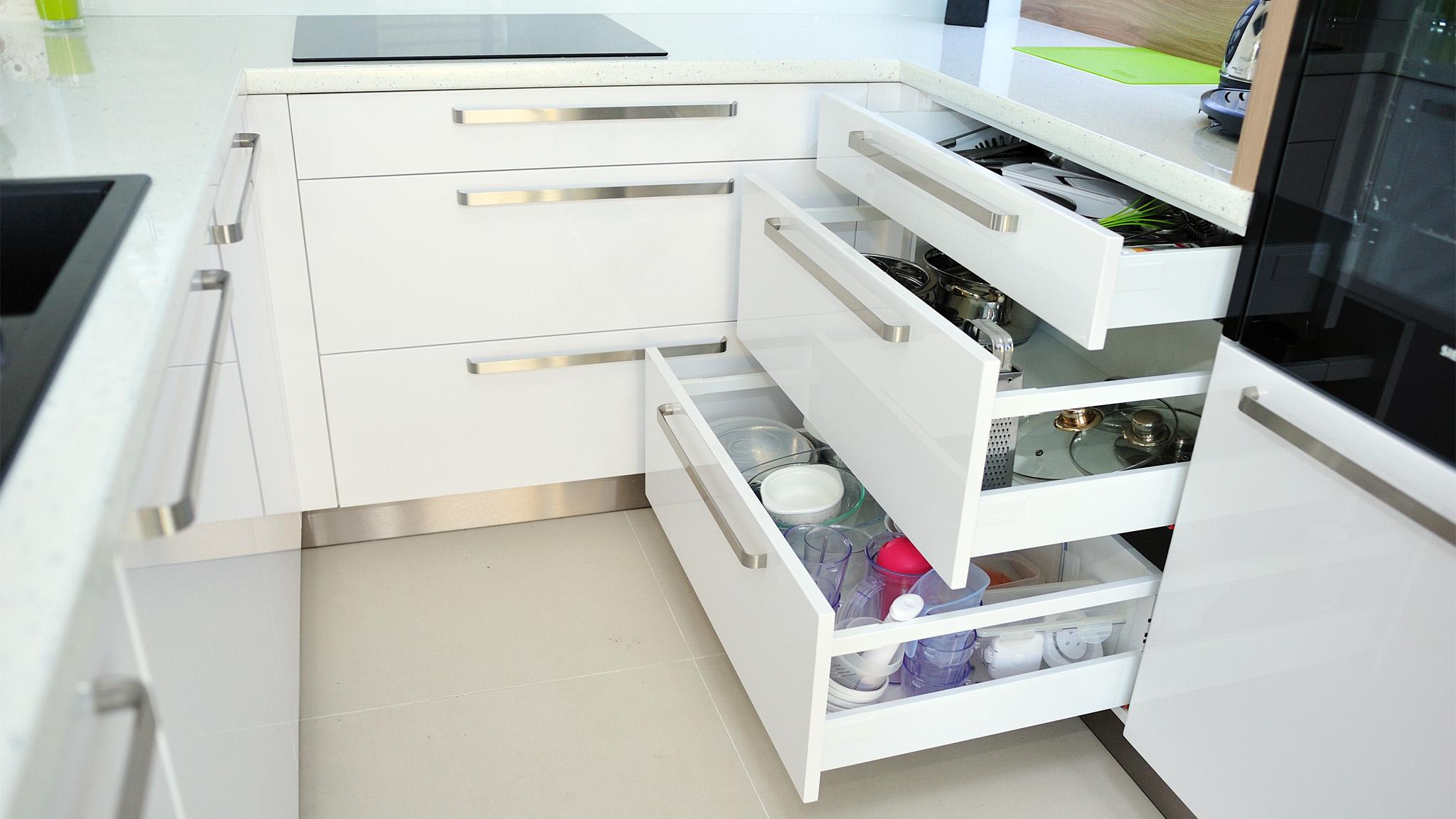 Zásuvkové systémy