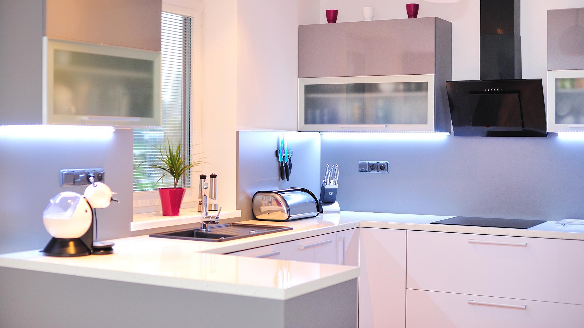 Kuchyně na míru se přizpůsobí prostoru i vám!
